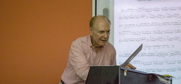 Compositor y pianista Don Freund dará clases a maestrantes UArtes